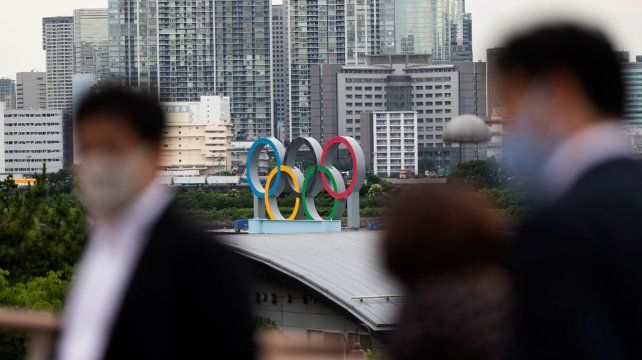 Por ahora sólo los japoneses podrán ingresar a los eventos deportivos. Pero el día a día de la pandemia reta a tomar otras decisiones.