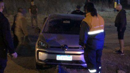El agresor, que fue retenido por vecinos, abordaba a las víctimas desde un Volkswagen Up.