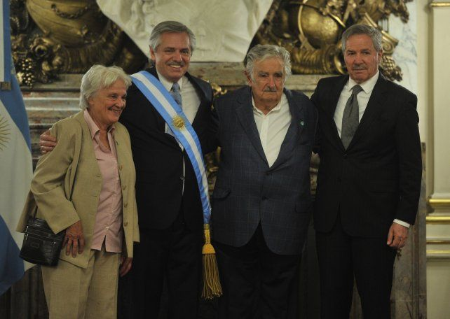 Alberto recibió a las delegaciones extranjeras que asistieron a su asunción