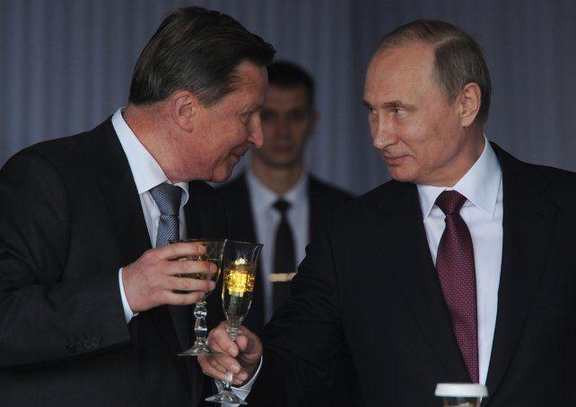 Otros tiempos. El ahora ex jefe de gabinete y el presidente de Rusia.