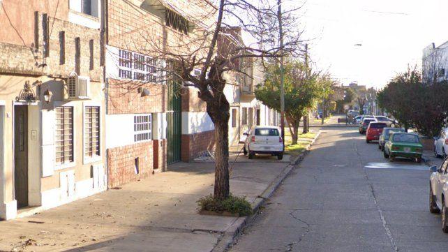 Asaltaron a mano armada una verdulería en zona sur y se llevaron desde celulares hasta sueldos