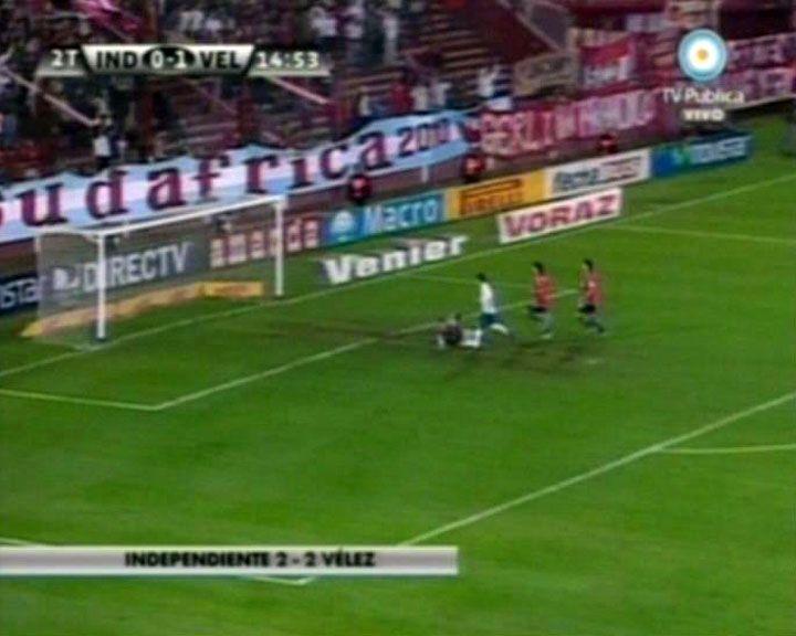 Independiente y Vélez empataron 2 a 2 en emotivo partido