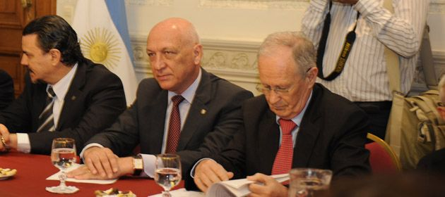 Bonfatti junto a su ministro de Seguridad