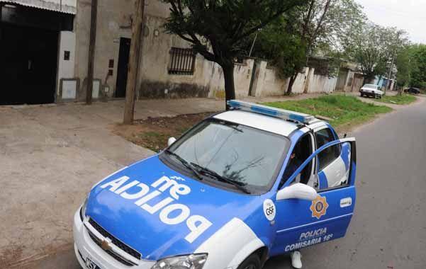 Pasado el mediodía de ayer cinco disparos rompieron la siesta en Colón al 3700. (Foto: S.Salinas)