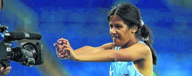 Gesto de amor. Una marca registrada de Yanina al competir es sonreír y hacer un corazón con las manos.
