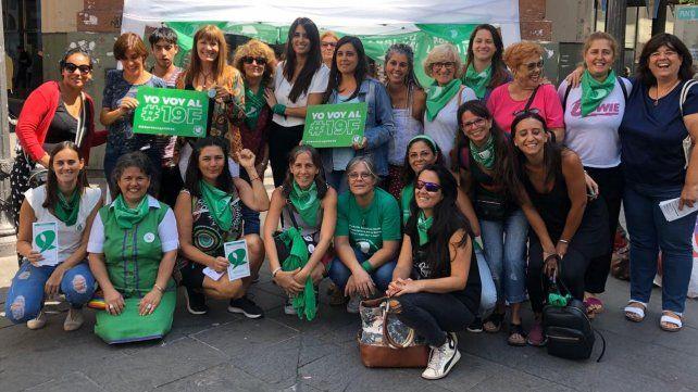 Córdoba y San Martín. Las integrantes de la Campaña Nacional por el Derecho al Aborto Legal