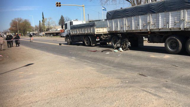 El peligroso cruce se ha llevado varias vidas como el del pasado 7 de septiembre donde una vecina murió tras chocar un camión con su moto.