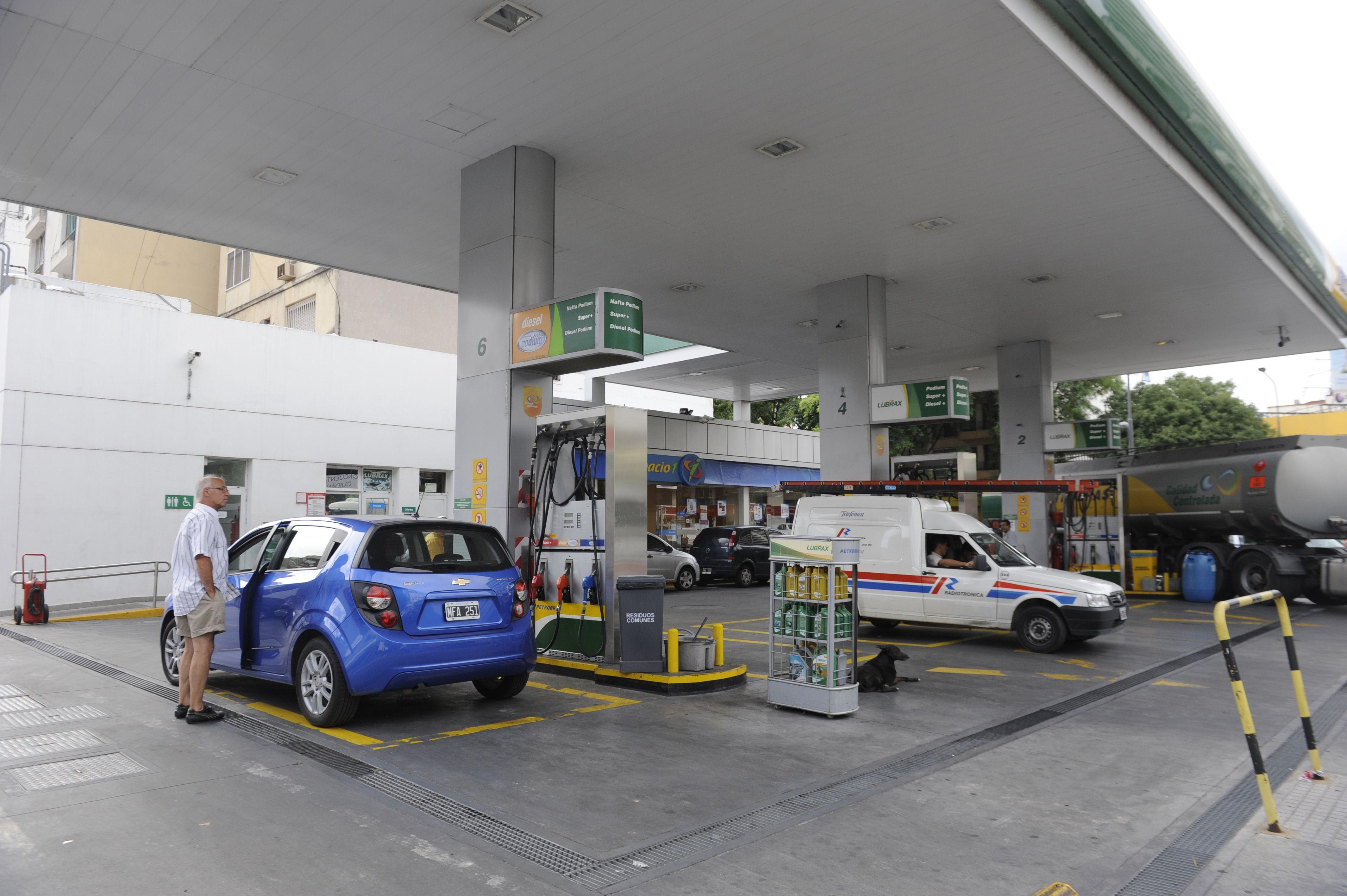 Combustibles. La nafta transita un camino de aumentos en 2014.