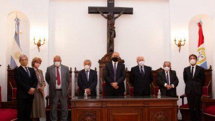Poderes. El gobernador Perotti y la Corte Suprema, en el acto de apertura del año judicial 2021.