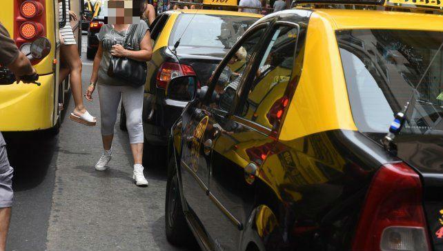 El rastreo satelital permitió dar rápidamente con el taxista denunciado. La narcolemia dio positivo para cannabis.