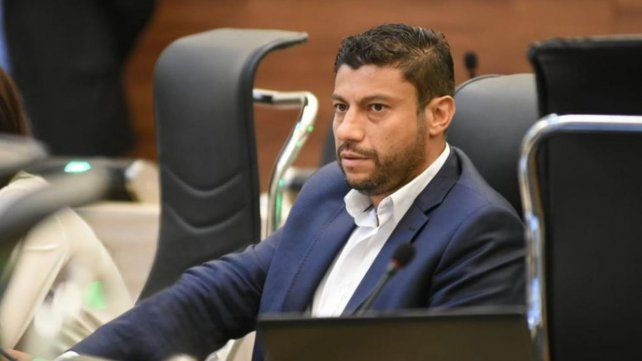 Las pistolas Taser hubiesen evitado muchas muertes, aseguró el diputado Chumpitaz