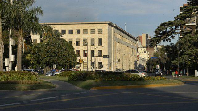 Aclaración sobre un abogado del foro local tras fallo judicial
