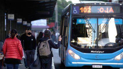 Desde UTA Rosario reconocieron que las deudas a los choferes oscilan entre los 40 mil y los 50 mil pesos.