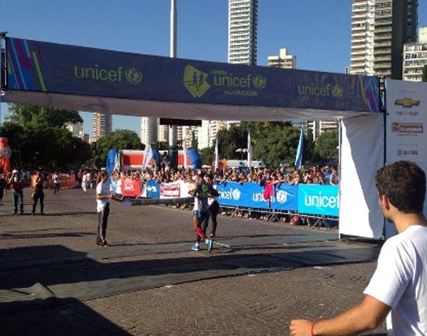 La Carrera Unicef tuvo un circuito competitivo de 10K y un circuito participativo de 2K. (Foto: @UNICEFargentina)