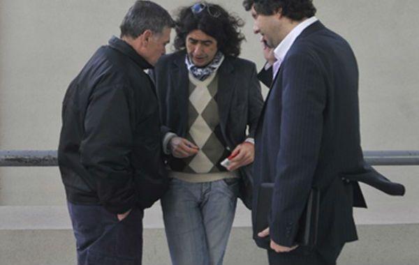 Los familiares de Paula Perassi estuvieron hoy en los tribunales de San Lorenzo en compañía de sus abogados.