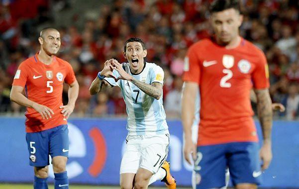 Con el corazón. Angel Di María acaba de incrustar su derechazo en la red de Bravo y lo celebra con el alma.
