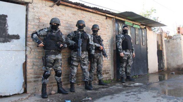 Operativos. Ayer hubo 250 efectivos en Pellegrini y Felipe Moré.
