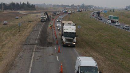 Vialidad entregó dos mil toneladas de asfalto obtenido en obras realizadas en la autopista Rosario-Buenos Aires.