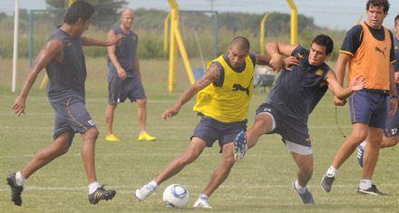 Con la probable vuelta de Jesús Méndez, Central entrena pensando en el partido con Patronato