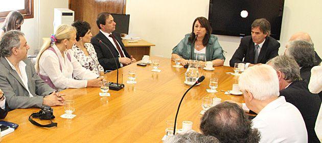 La intendenta Mónica Fein lideró una reunión multisectorial de la cual participaron 50 instituciones de la ciudad.