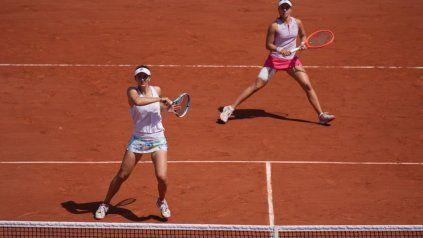 Podoroska y la rumana Begu poco pudieron hacer ante el poderío de sus rivales.