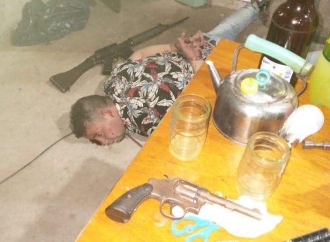Un hombre fue detenido con cinco armas de grueso calibre en Villa Gobernador Gálvez.