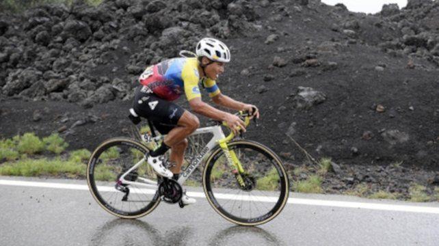 Caicedo completó la distancia de 150 kilómetros en más de cuatro horas.