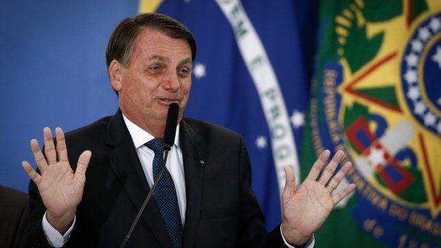 Mi respuesta es: caca, dijo Bolsonaro ante las acusaciones de sobreprecios en las vacunas