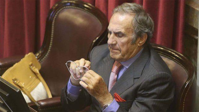 El dos veces exgobernador de la provincia de Santa Fe viene sufriendo problemas de anemia y deshidratación.