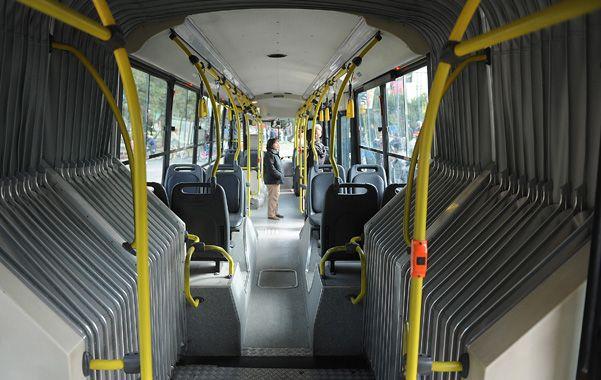 Dos ómnibus con fuelle de la Semtur empezarán a recorrer mañana calles de la ciudad.
