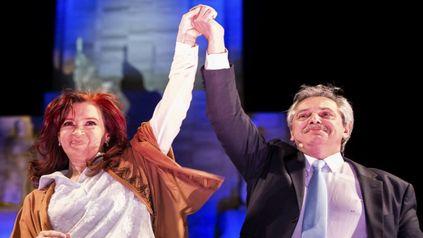 Cristina Kirchner y Alberto Fernández, en un acto de 2019 en el Monumento a la Bandera.