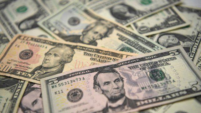 La tensión por la guerra comercial generó otra  escalada del dólar