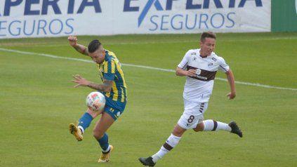 Central ahora pierde con Platense por otro error defensivo y se aleja de la clasificación