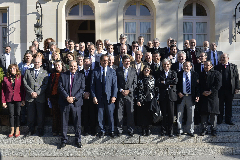Encuentro. El gobernador con los rectores en la sede de Gobierno platense.
