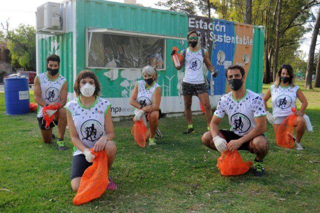 """El """"plogging"""" ha cobrado fuerza en Bahía Blanca, donde ya se han realizado numerosas actividades, incluso en plena pandemia."""