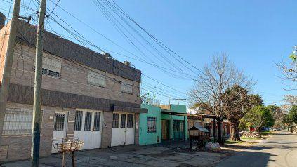 Ramón Fretes fue asesinado en el taller de herrería que tenía contiguo a su casa de dos plantas. Tres hombres lo increparon para robarle, y lo ejecutaron con un balazo por la espalda.