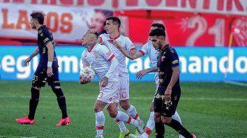 Desde la vuelta de Eduardo Domínguez, Colón comenzó ganando ocho partidos pero no pudo sostener el resultado. Cinco de ellos los empató y tres los perdió.