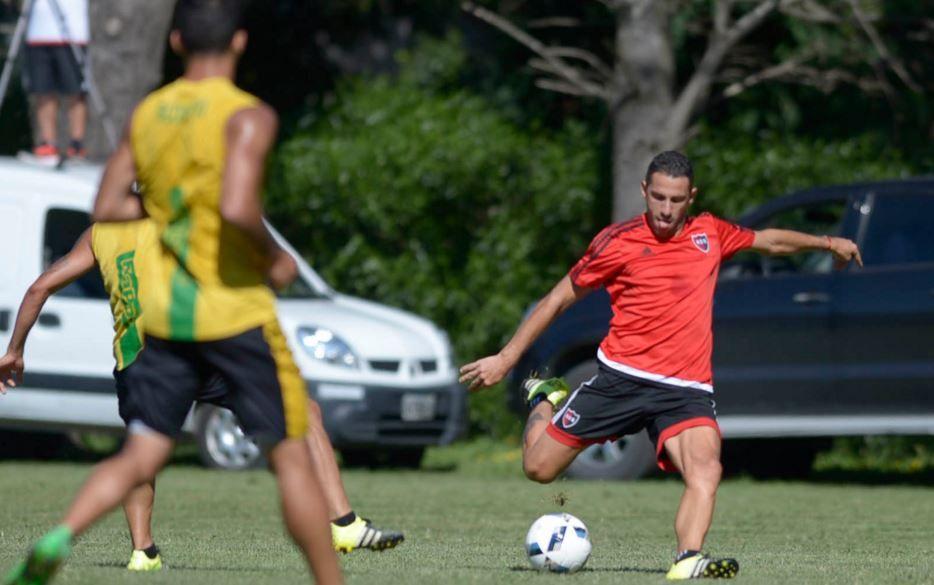 Maxi fue reemplazado a los 22 minutos por Joaquín Torres. (Foto: Marcelo Bustamante)