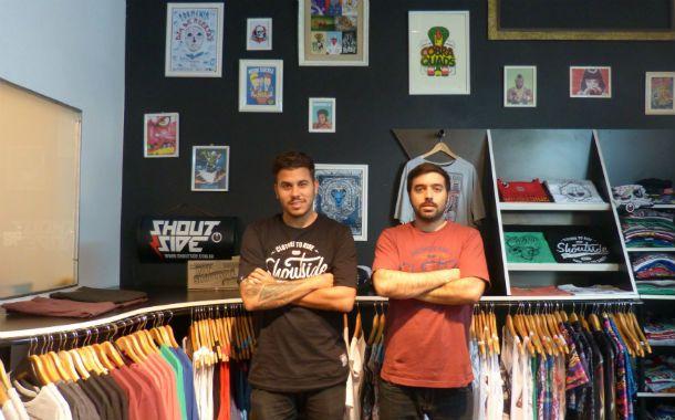 Innovación. Los emprendedores de Shoutside armaron una colección ligada a la historia de las bandas punk.