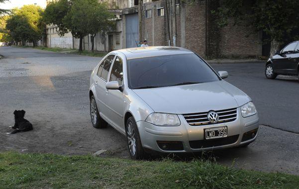 El auto. El VW Bora usado por los ladrones la semana pasada en zona sur.