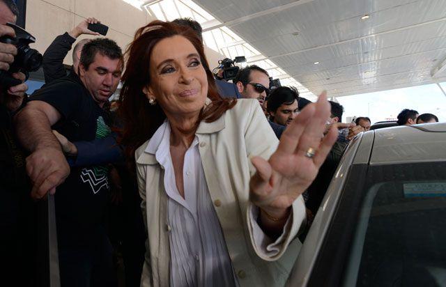 La expresidenta Cristina Fernández de Kirchner volvió a cargar contra Mauricio Macri.