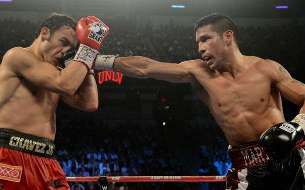 Gran noche. Maravilla Martínez golpea a Chávez Jr en la pelea en la que conquistó el cinturón mundial mediano CMB