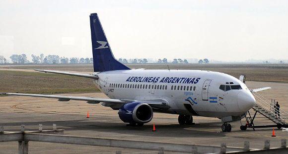 Los que viajen al exterior por Aerolíneas Argentinas volarán gratis a Ezeiza