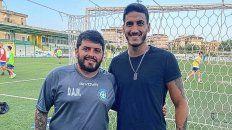 Musso con Maradona Jr en el entrenamiento de Napoli United
