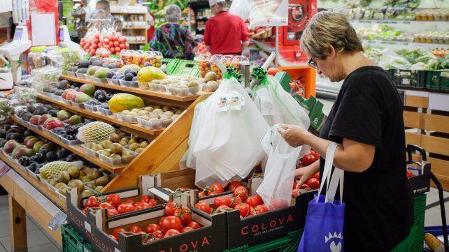 Cuidar el mango. El estudio encontró que en el rubro alimentos es donde hay mayor cumplimiento de Precios Cuidados.