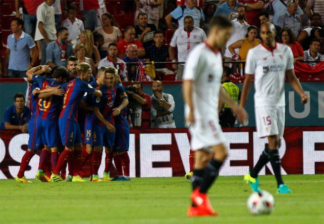 Barcelona venció a Sevilla en la ida y acaricia la Supercopa española
