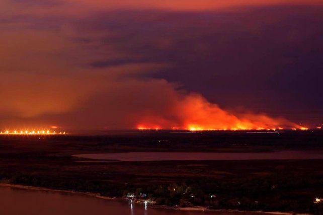 Nueva movilización se realiza hoy en reclamo por los incendios en las islas