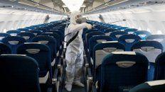 una mujer fue condenada a prision por viajar en avion y ocultar que tenia coronavirus