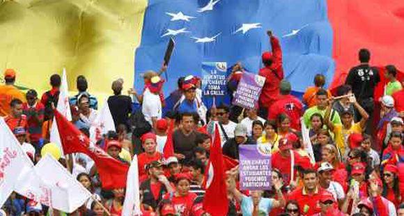 Venezuela es uno de los pueblos más felices del planeta, dijo Chávez a su regreso