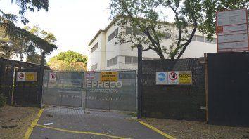 El Museo Juan B. Castagnino, en Pellegrini y Oroño, está vallado desde hace meses.